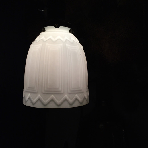 戦前硝子、硝子照明、電笠、アンティーク照明、洋館、アールデコ、乳白ガラス、ペンダントランプ