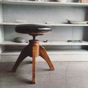 アンティークスツール、回転昇降、木の椅子、クラシックモダン