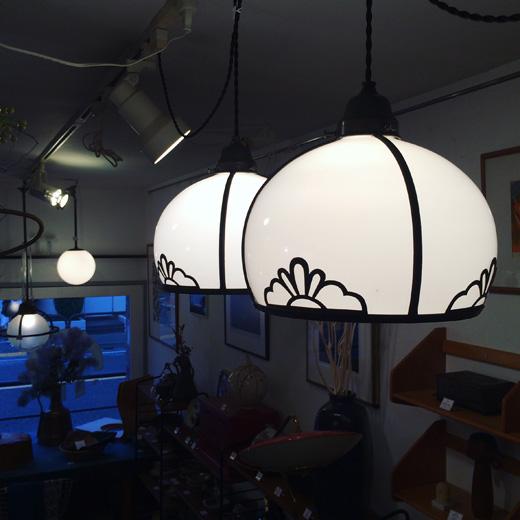 戦前、アンティーク照明、ペンダントランプ、乳白ガラス、洋館、大正ロマン、電傘、電笠