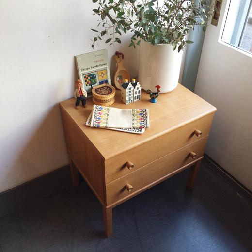 ヴィンテージ家具、サイドチェスト、引き出し収納、タンス、チェスト、シンプルモダン