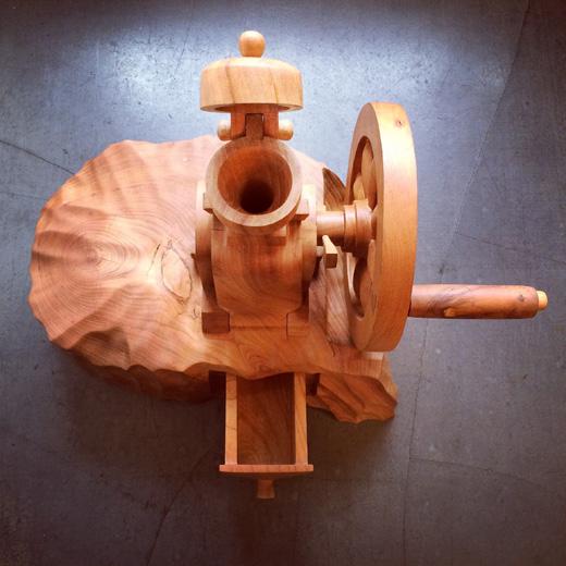 コーヒーミル、木製、くりぬき、ハンドクラフト、一点もの、木彫、無垢材