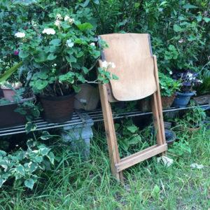秋岡芳夫、GH家具、折りたたみ椅子、木の椅子、フォールディングチェア、戦後、米軍ハウス、飛騨産業、マルニ木工、カードチェア、ヴィンテージ家具