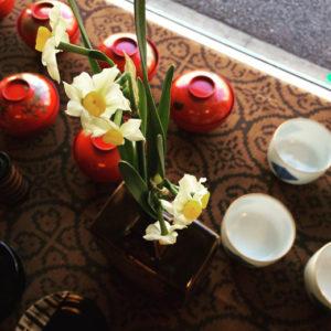 水仙、新春、初売り、店内ディスプレイ、益子焼、花器
