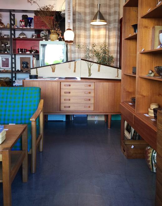 ナンセンス下北沢、店内、北欧ヴィンテージ、サイドボード、ヴィンテージ家具