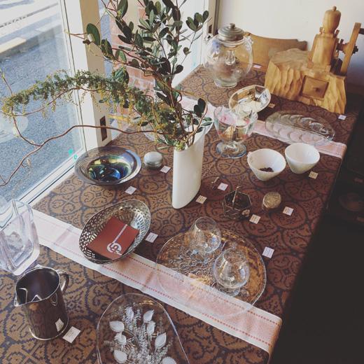 北欧ヴィンテージ食器、北欧ガラス、春のテーブルコーディネート、コスタボダ、オレフォス、イッタラ