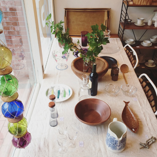 北欧ヴィンテージ、夏のテーブルコーディネート、北欧ガラス、サラダボウル、モダンインテリア