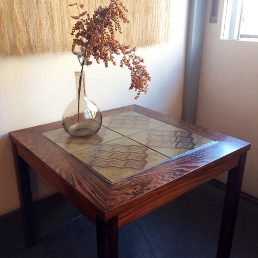 タイルトップテーブル、北欧ヴィンテージ、ローズウッド