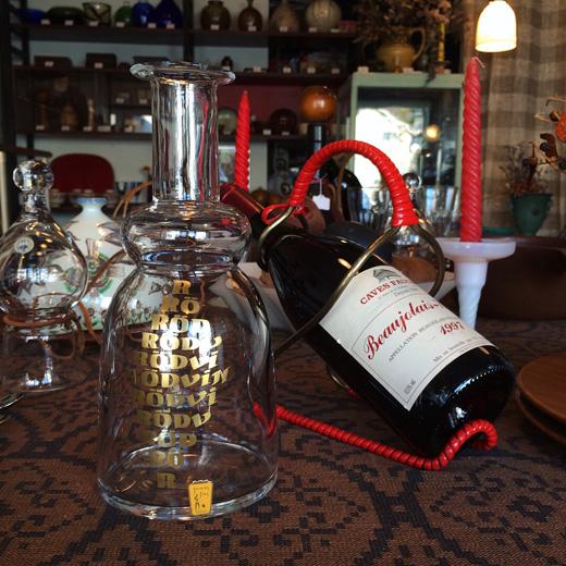 北欧ヴィンテージ、カラフェ、赤ワイン、タイポグラフィ、モダンデザイン、ワインカラフェ、johansforsglasbruk