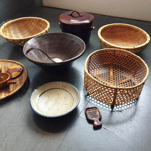 台所道具、古道具、竹ざる、擂鉢、クラフト、キッチン道具、器、味覚の秋
