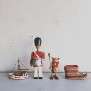 北欧ヴィンテージ、スーベニア、北欧デザイン、バイキング、兵隊、カイボイスン、郷土玩具、木のおもちゃ