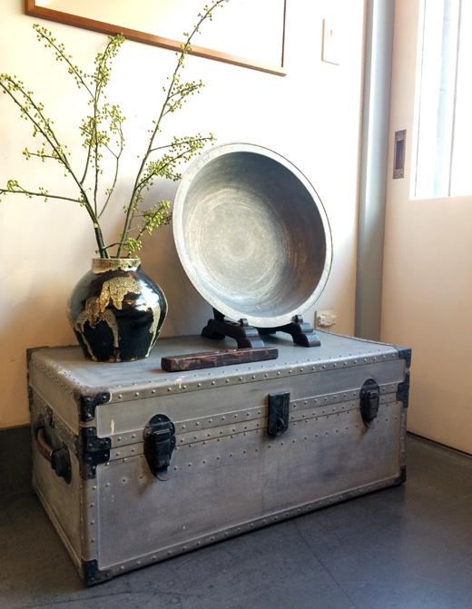 ヴィンテージトランク、スーツケーす、収納ボックス、メタルボックス、コーヒーテーブル