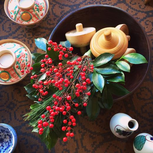迎春花、お正月のしつらえ、和食器、古道具
