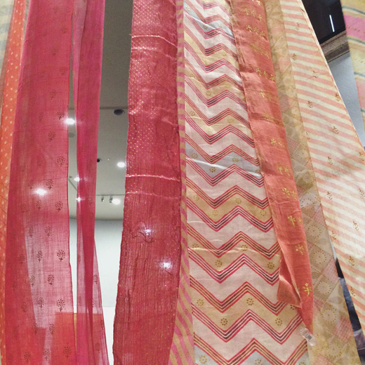 松濤美術館、インドに咲く染と織の華、工芸