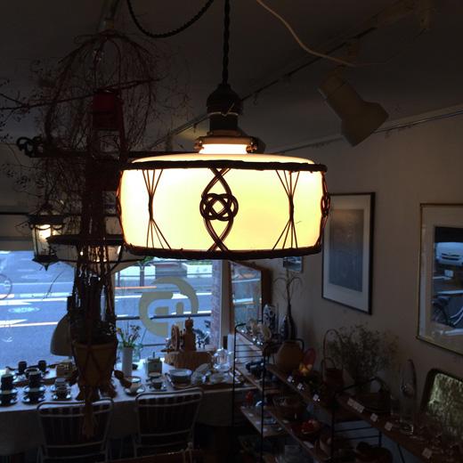 電笠、大正ロマン、戦前、硝子照明、竹編装飾、時代照明、乳白硝子