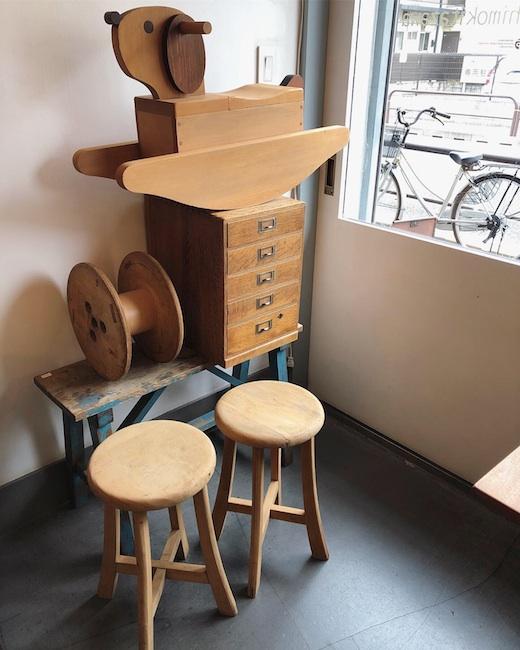 古道具、丸イス、スツール、ロッキングドッグ、小引き出し、小家具