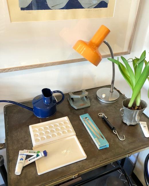 ヴィンテージ雑貨、古道具、アンティーク、デスクライト、ジョーロ、パレット