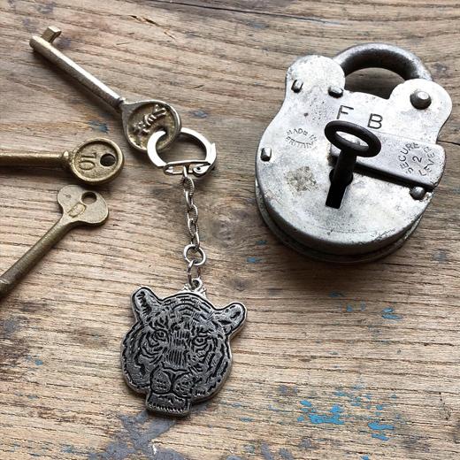 アンティークキー、南京錠、古道具、キーホルダー、ヴィンテージ雑貨、虎のキーホルダー