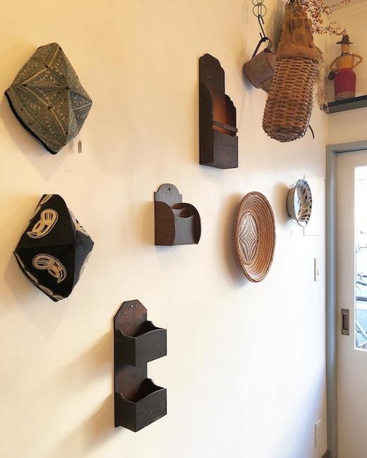 ヴィンテージインテリア、ウォールデコレーション、壁面ディスプレイ、古道具、フォークアート、ナンセンス下北沢