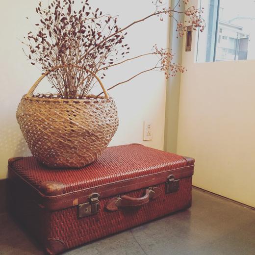 ヴィンテージバスケット、柳行李トランク、秋のしつらえautumnstyle.vintagebasket.trunk
