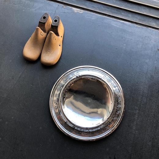 アメリカヴィンテージ、アンティーク雑貨、靴型、ベビープレート、赤ちゃん用食器、ペット用食器