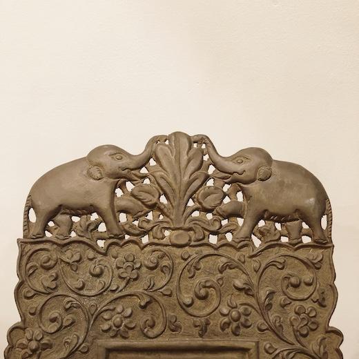 東南アジア、真鍮製フォトフレーム、レリーフ、唐草、象、フォーククラフト