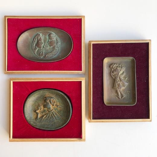 朝倉響子、ブロンズレリーフ、少女、彫刻作品