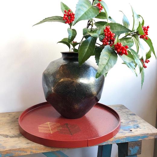玉川堂、鎚起銅器、銅花瓶、紫金色、モダンクラフト、金工、伝統工芸、正月花