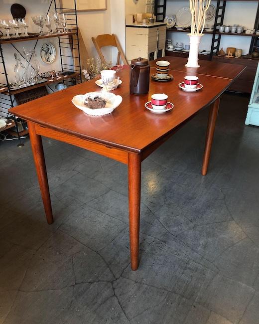 北欧ヴィンテージ家具、デンマーク家具、ドローリーフテーブル、ダイニングテーブル、北欧モダン、チーク家具