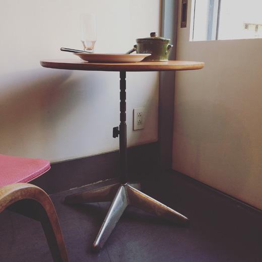 リメイクテーブル、ヴィンテージ、鉄脚、昇降機能、リメイク家具