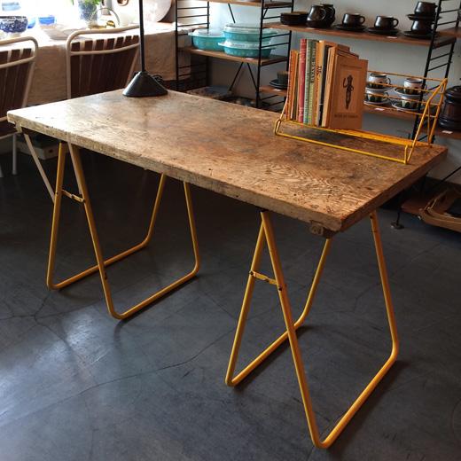 フォールディングテーブル、鉄脚、古材天板、無垢、ヴィンテージ、経年変化