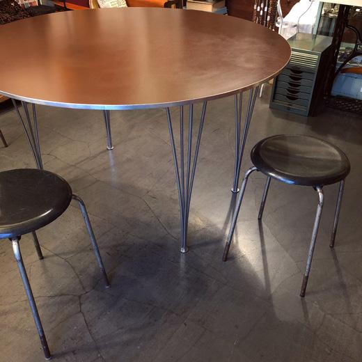 フリッツハンセン、ダイニングテーブル、ブルーノマットソン、モダンデザイン、北欧家具、ヴィンテージ、リノリウム、brunomathsson、fritzhansen