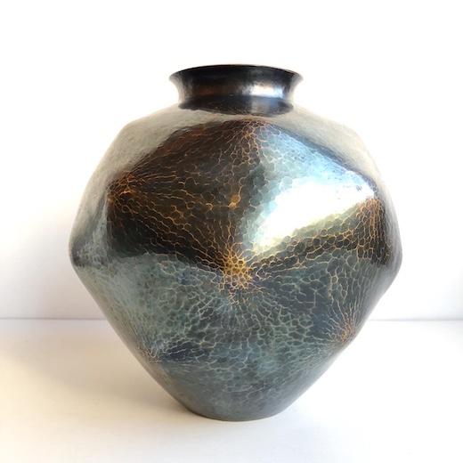玉川堂、鎚起銅器、銅花瓶、紫金色、モダンクラフト、金工、伝統工芸