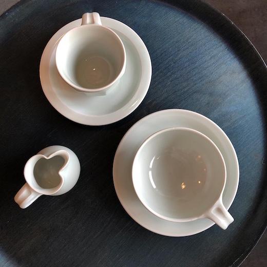 白磁、コーヒー碗皿、ティーカップ、川野恭和、艸茅窯、瀧田項一、民藝