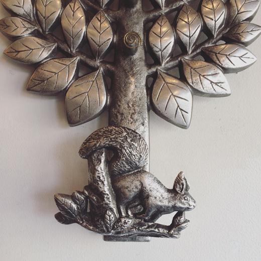 船越次郎、馬場忠寛、鋳造、ウォールデコレーション、壁掛け、コートフック、木とリス、モダンデザイン