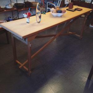 木組み、伝統工法、フォールディングテーブル、職人仕事、モダンクラフト、ヴィンテージ家具、筋交い、作業台