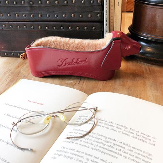 革細工、レザークラフト、眼鏡入れ、眼鏡置き、ダックスフント、ヴィンテージ雑貨
