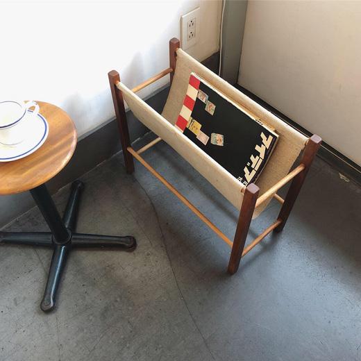 北欧ヴィンテージ家具、マガジンラック、チーク家具、モダンデザイン