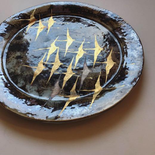 安田道雄、金銀彩大皿、翔鶴、和食器、ハレの日の器