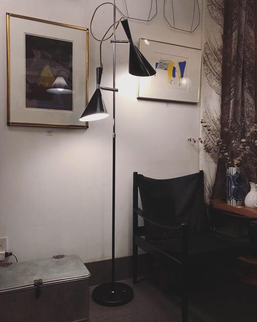 ミッドセンチュリーデザイン、モダン照明、ヴィンテージ、フロアランプ、間接照明