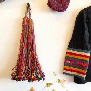 民族衣装、リス族、ポンポン、腰飾り、ヴィンテージファブリック、トライバルアート