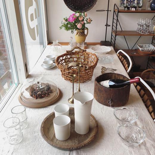 ナンセンス下北沢、店内、花のある暮らし、ヴィンテージ、アンティーク、テーブルコーディネート