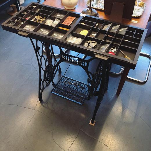 プリンタートレー、古道具、シンガーミシンテーブル、什器、マス什器、ヴィンテージ家具