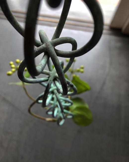 鎖樋、化粧鎖、雨樋、銅鎖、チェーン、古道具、経年変化、侘び寂び、建て具、吊り金具