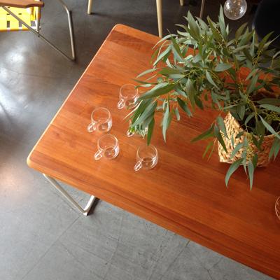リメイクテーブル、ナンセンスリメイク、モダンデザイン