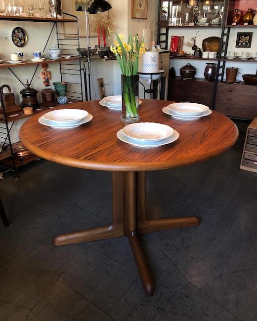 北欧ヴィンテージ家具、グドメ、ローズウッド、ラウンドテーブル、ニールスオットモラー、JLモラー、北欧モダン