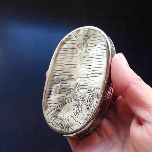 純銀製、小判型楊枝入、大丸、銀器、工芸品、ボンボニエール、ピルケース