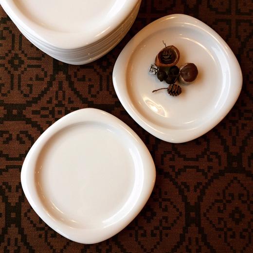 ローゼンタール製白磁プレート、ティモサルパネヴァ、Suomiwhite
