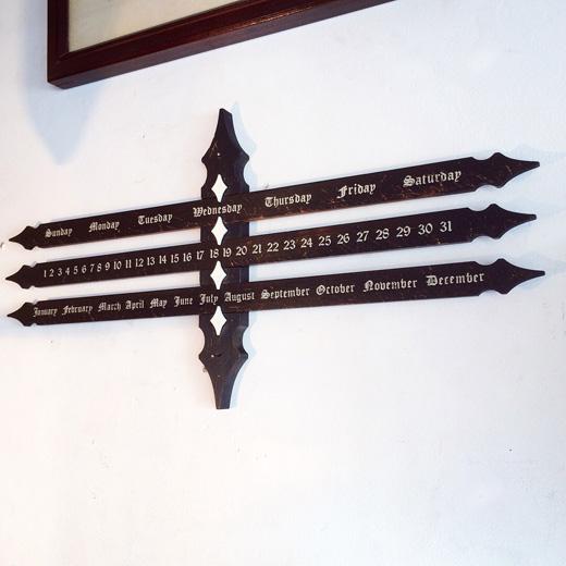 ヴィンテージ、パーペチュアルカレンダー、万年カレンダー、クラフト、スイス製、レトロモダン、スーベニア、木製、壁掛け