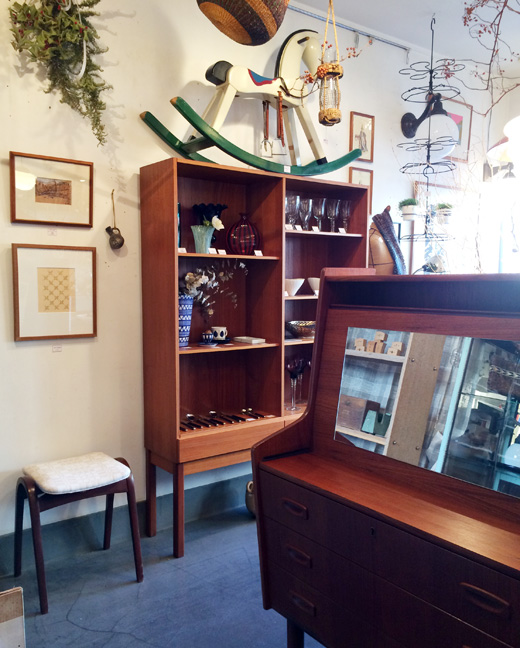 北欧ヴィンンテージ家具、チーク家具、新生活、ダイニングセット、食器棚、ヴィンテージ