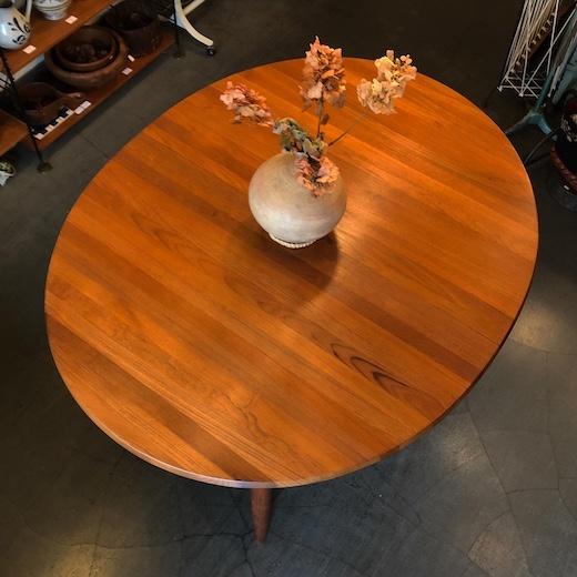 北欧ヴィンテージ家具、ダイニングテーブル、楕円、デンマーク家具、mikaellaursen